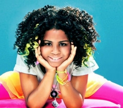 Eerste eigen single en videoclip Aliyah