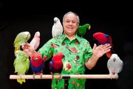 Nieuw en exclusief bij Artiestenbureau JB Productions : Salvatore's Papegaaienshow