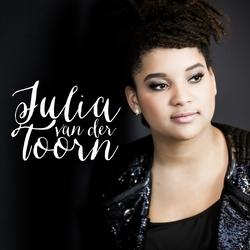 Julia van der Toorn brengt Abum uit
