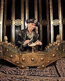 Schoenpoetser Aladdin exclusief te boeken bij JB Productions