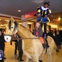Zwarte Pieten met Paard