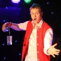 Goochelaar Michel - De Magische Sinterklaasshow