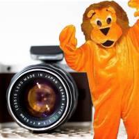 Op de foto met de Oranje Leeuw