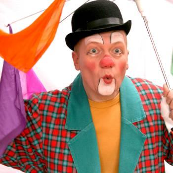 Doldwaze Clownsshow inhuren of boeken?