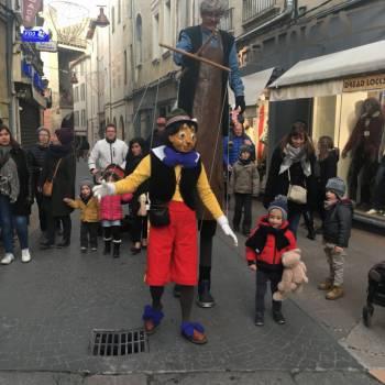 Pinokkio en Gepetto - straattheater Boeken of Inhuren?