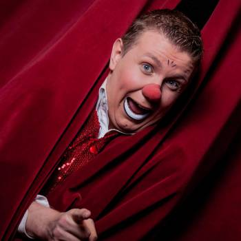 Clown Babello inhuren of boeken?