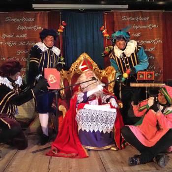 Piet Paco's Pepernoten Festijn boeken of inhuren?