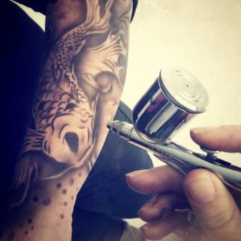 Airbrush Tattoo's huren of boeken?
