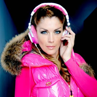 DJ Kelly Paff boeken of inhuren? | JB Productions