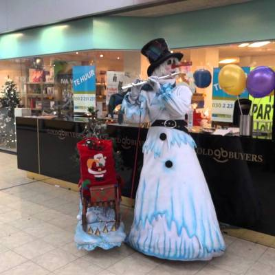 De Muzikale Sneeuwpop inhuren of boeken | JB Productions