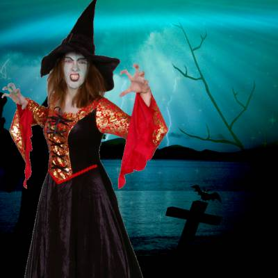 2 Steltlopers - Heksen - Halloween boeken of huren? | JB Productions