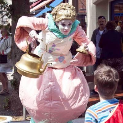 Levend Standbeeld - Juffrouw Theepot boeken of huren? | JB Productions