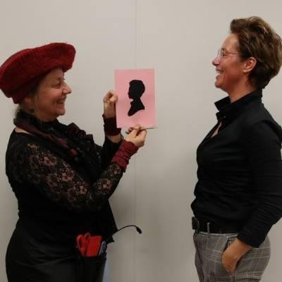 Portretknipster Jeanette - Silhouetknipster boeken of huren? | JB Productions