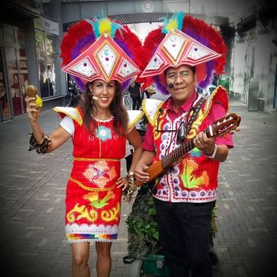 Los del Sol - Multi Culturele Muzikale Act inhuren of boeken? | JB Productions