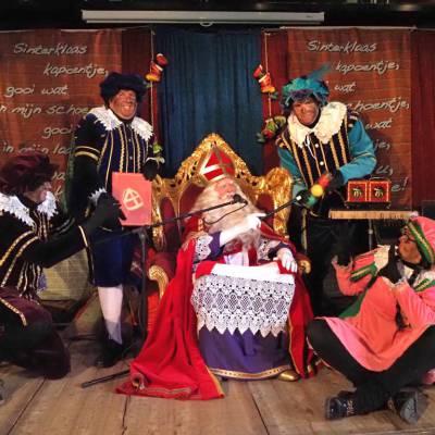 Piet Paco's Pepernoten Festijn boeken of inhuren? | SintenKerst
