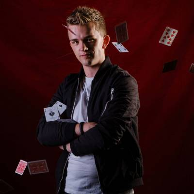 David Nathan - Magic Show huren of boeken? | JB Productions