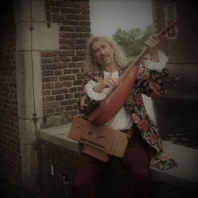 Love Troubadour boeken of inhuren? | JB Productions