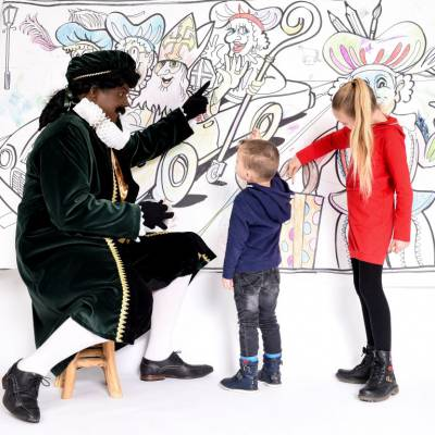 Piet Picasso's Mega Kleurplaat boeken of inhuren?   SintenKerst