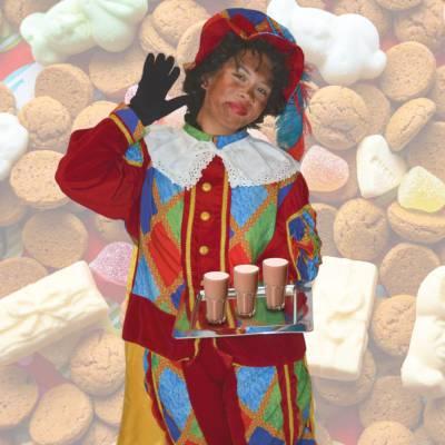 Warme chocolademelk traktatie met zwarte pieten huren | SintenKerst