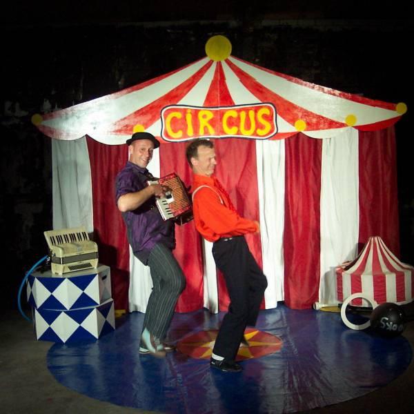 De Circuschauffeurs inhuren of boeken? | JB Productions