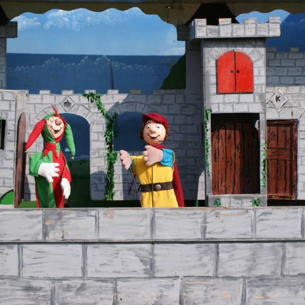 Poppentheater Prins Joris inhuren of boeken? | JB Productions