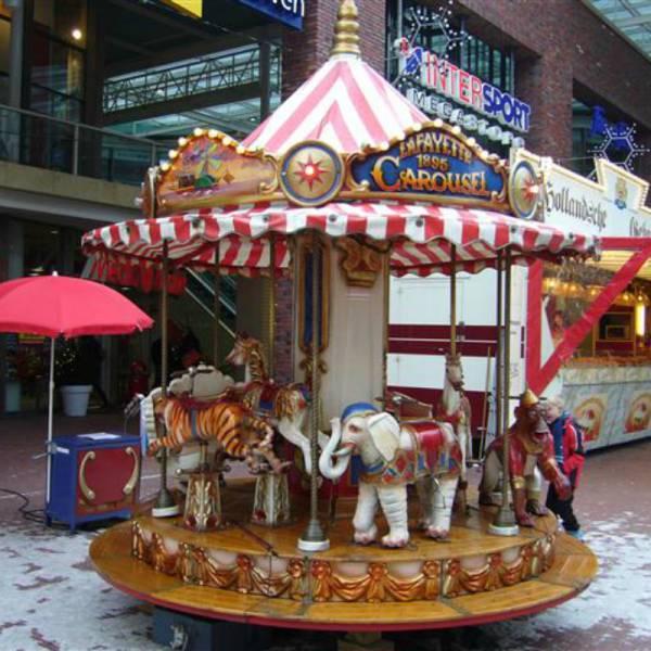 Oud-Hollandse Kindercarrousel Lafayette inhuren of boeken | SintenKerst