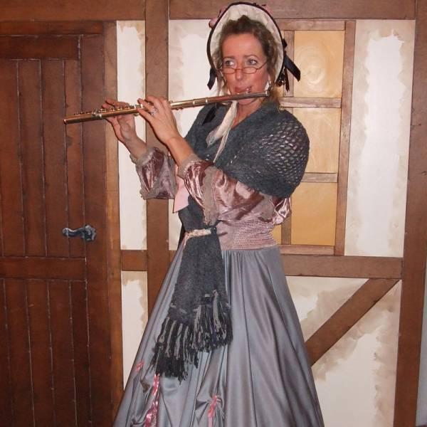 Muzikale Charles Dickens Lady inhuren of boeken | SintenKerst