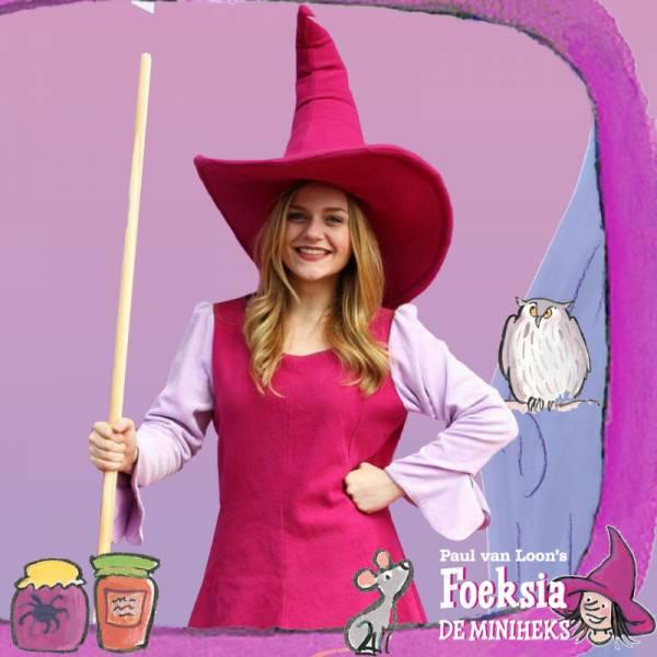 Meet & Greet Foeksia de Mini Heks inhuren of boeken? | JB Productions