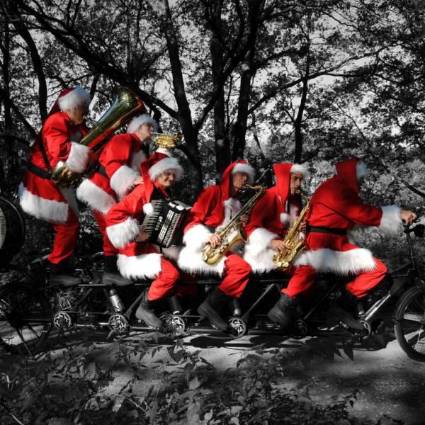 Kerstmannen Fiets Orkest boeken of huren? | Sint en Kerst