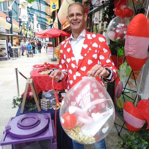 Cadeau in Ballon boeken of inhuren? | JB Productions