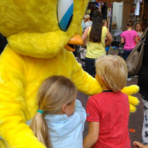 Meet & Greet Tweety inhuren of boeken? | JB Productions