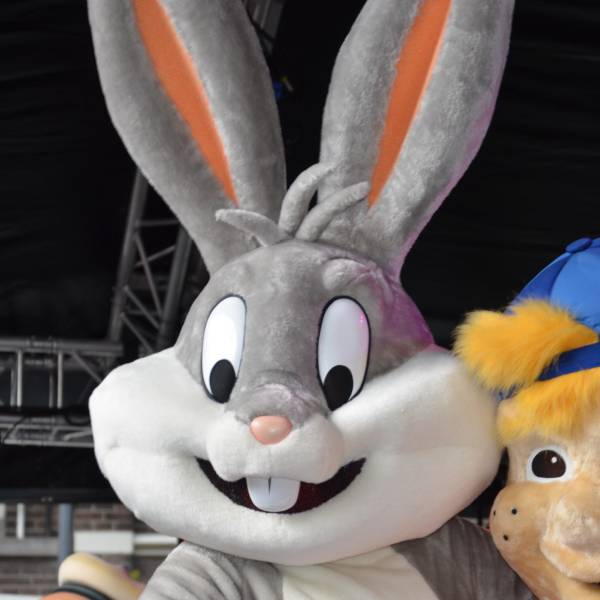 Meet & Greet Bugs Bunny inhuren of boeken? | JB Productions