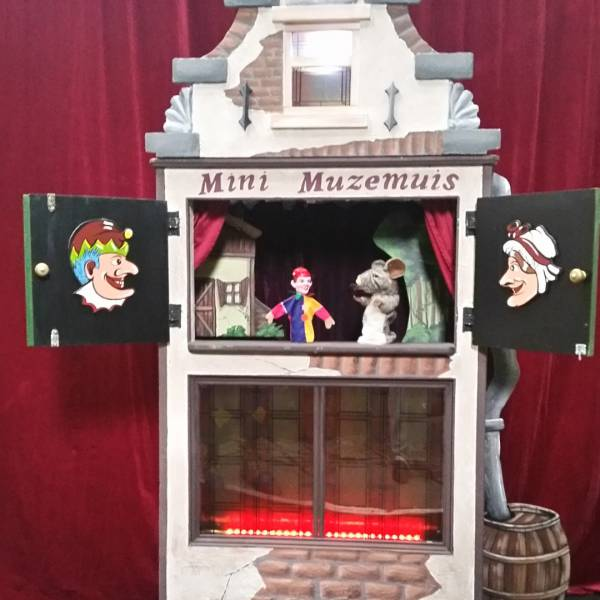 Poppentheater Mini Muzemuis boeken of inhuren | JB Productions