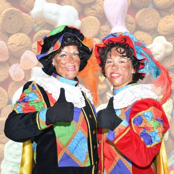 Twee Zwarte Pieten inhuren of boeken? | Sint en Kerst