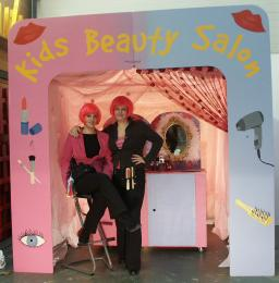 Kids Beauty Salon inhuren of boeken | Artiestenbureau JB Productions