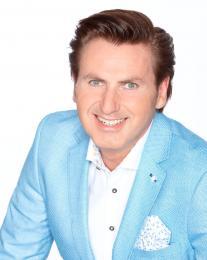 Presentator Jeroen van den Berg boeken   Artiestenbureau JB Productions