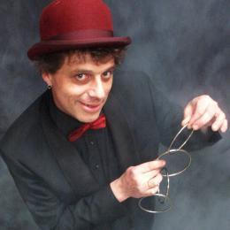 Goochelaar Richard Top boeken of inhuren | Artiestenbureau JB Productions