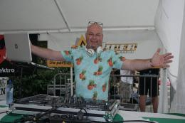 Feest DJ René van Dalen | Artiestenbureau JB Productions
