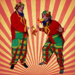 Waai en Woei de Windmolen Clowns - Uitdeelactie