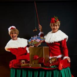 Kerstcadeautjes hengelen