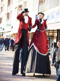 Dickens Steltlopers inhuren of boeken | SintenKerst