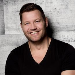 DJ Dennis van der Geest boeken of inhuren | JB Productions