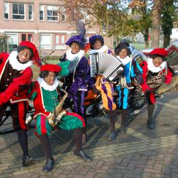 Zwarte Pieten Fiets Orkest boeken of inhuren | Sint en Kerst