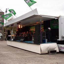 Overdekte Podiumwagen inhuren of boeken | JB Productions