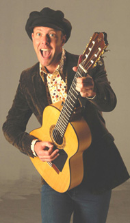 Zanger, gitarist, troubadour Eddy Valenzo | JB Productions