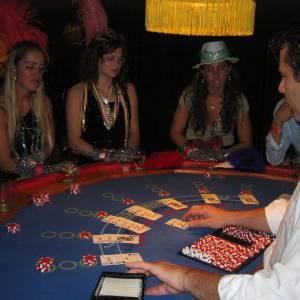 Blackjack Tafel inzetten of boeken?