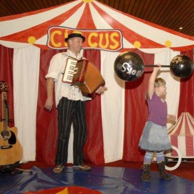 De Circuschauffeurs boeken?