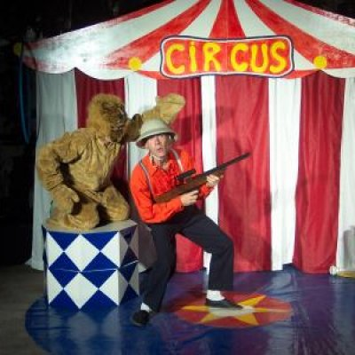 De Circuschauffeurs inhuren of boeken?