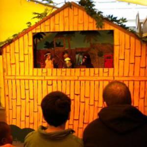Poppenkastvoorstelling Sinterklaas op vakantie inzetten
