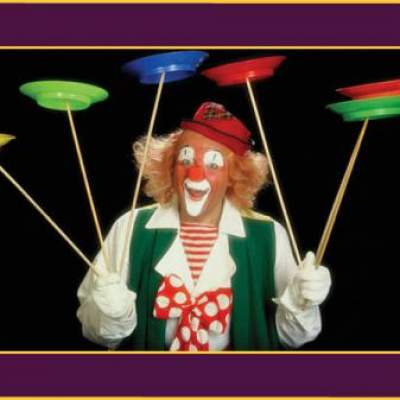 Clown Ron Ronell inhuren of boeken?